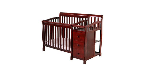 Multipurpose-baby-crib-with-change-table