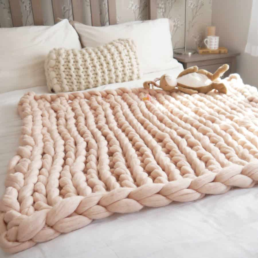 Chunky knit wool blankets for babies – yes or no?