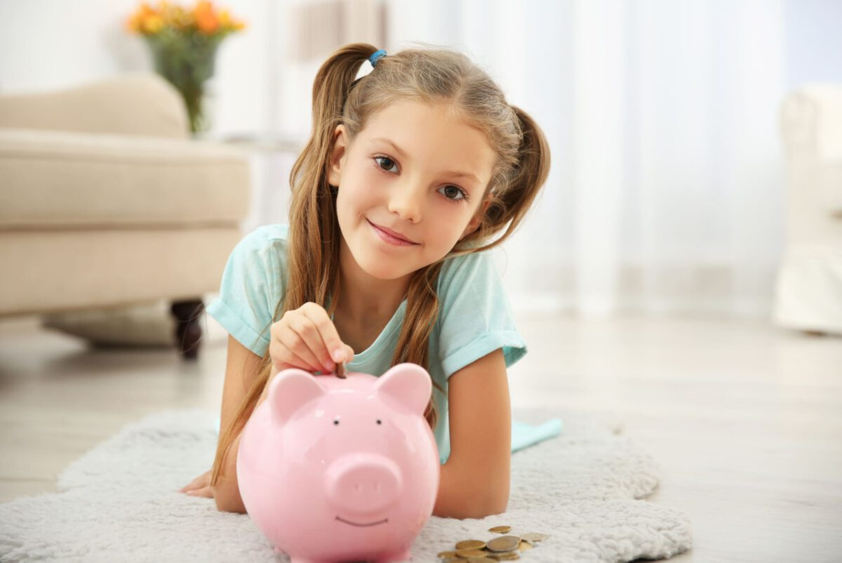 The Best Ways to Teach Your Kids About Savings