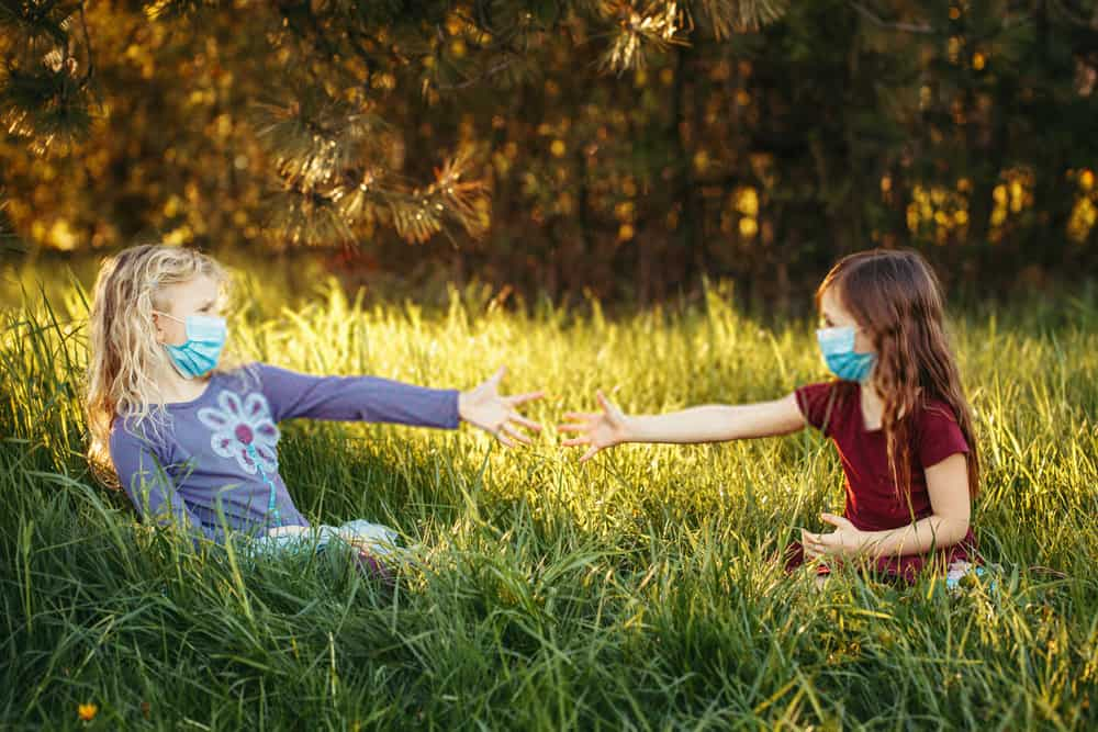 8 Best Ways to Teach Your Kids About Social Distancing